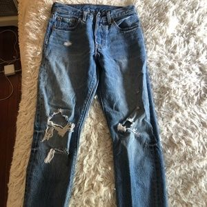 LEVI'S HIGH WAISTED RIPPED SIZE 24 JEAN NEVER WORN